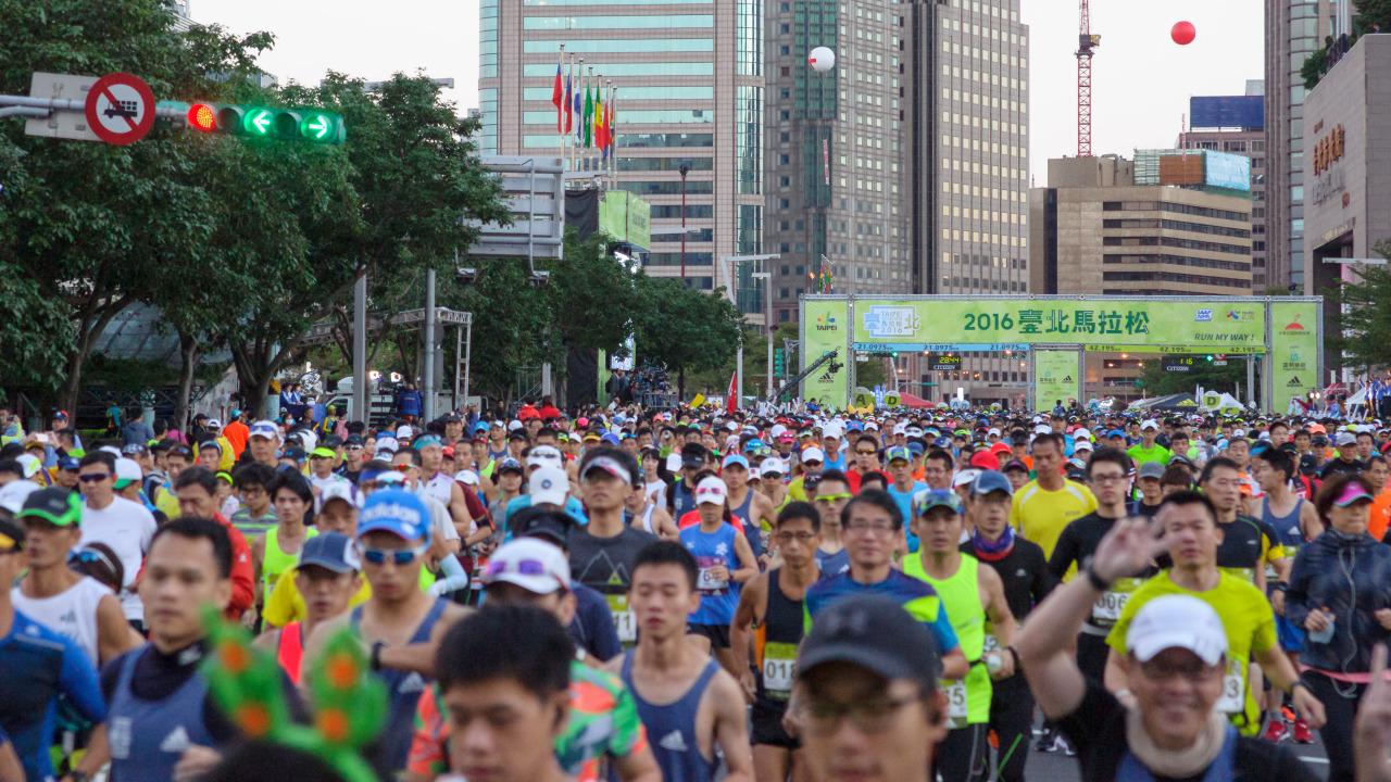 PM2.5超標下的馬拉松 越跑越不健康
